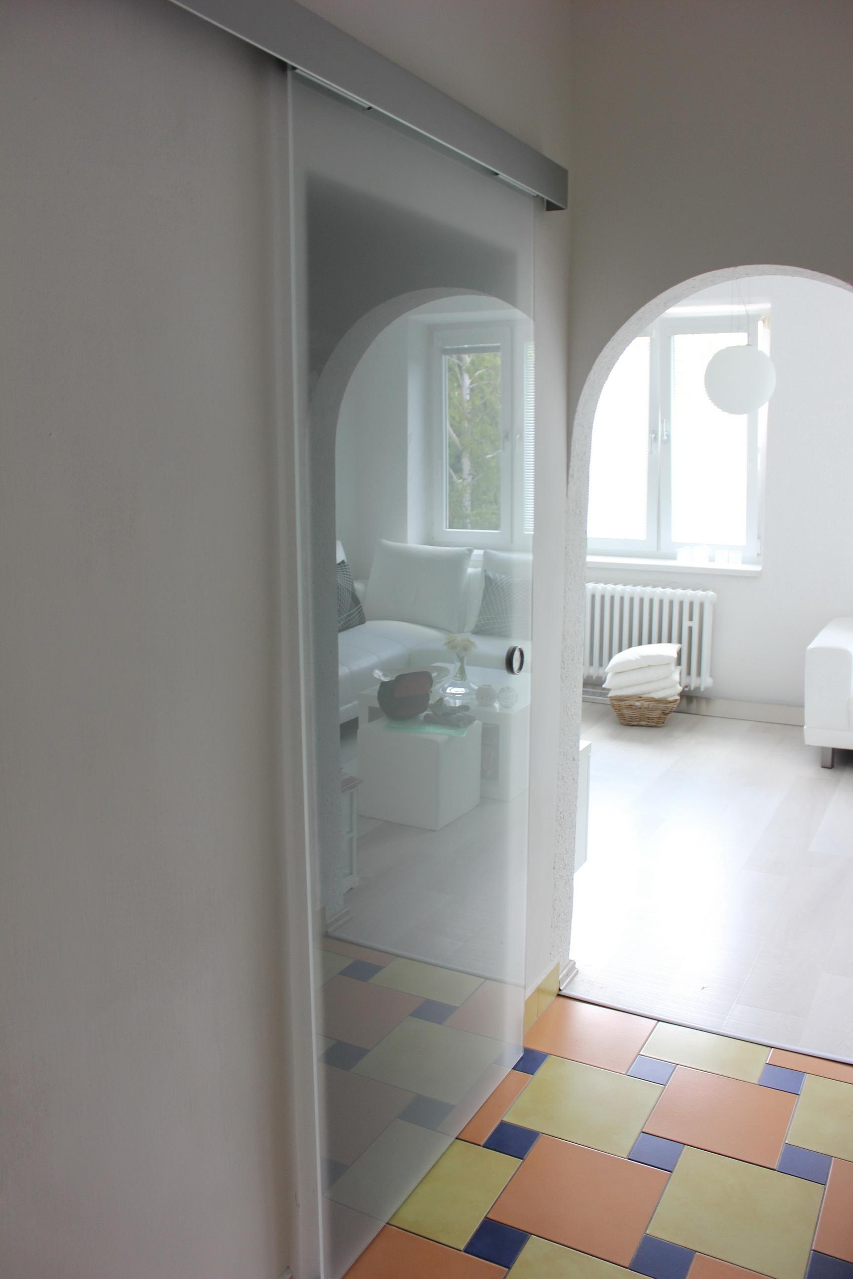 sklenené dvere posuvné pieskované 1